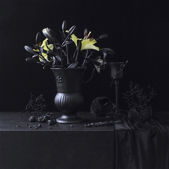 Still Life in Black with Yellow Bouquet / second variation