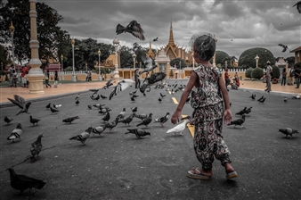 """People from Around the World: Flying Fun Digital Photography 14"""" x 20"""""""